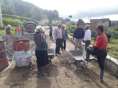 CONSTRUCCIÓN DE BORDILLOS EN LAS COMUNIDADES